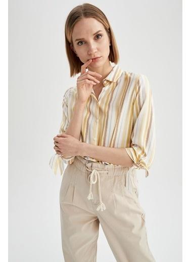 DeFacto Çizgili Kolu Bağcık Detaylı Oversize Fit Gömlek Beyaz